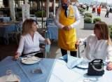 أصحاب المطاعم والمقاهي والملاهي والباتيسري: لا للإقفال