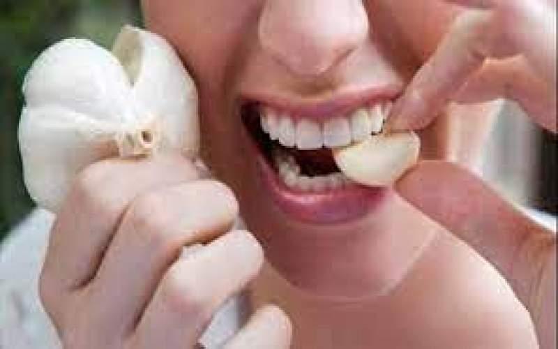 هذا ماذا تفعله حبات الثوم بجسمك إذا تناولتها يوميا على الريق