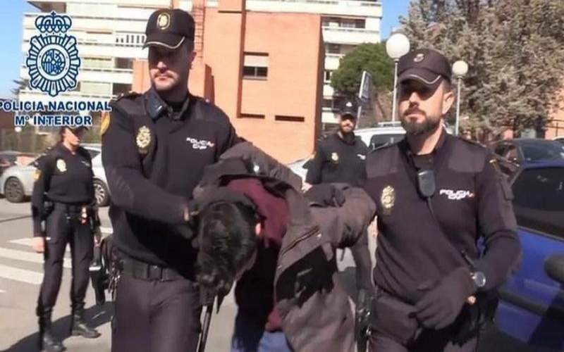 إسبانيا: محاكمة رجل في مدريد لـ