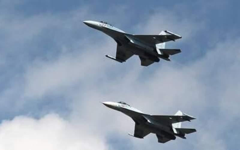 مقاتلات روسية تعترض طائرات أمريكية وغربية قرب أجواء روسيا(فيديو)