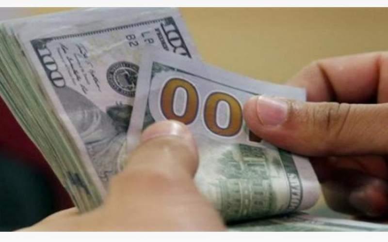 عشية الاقفال العام... اليكم سعر الدولار في السوق السوداء!
