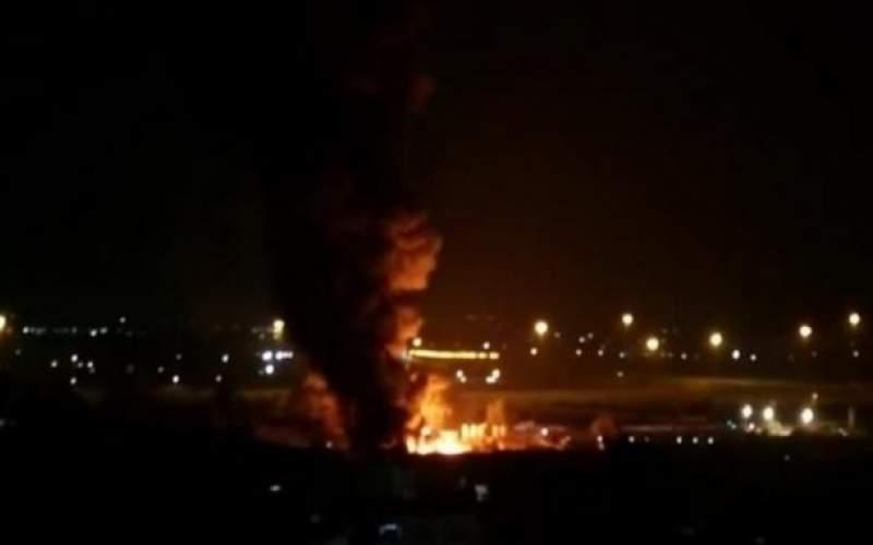 حريق ضخم في مصانع